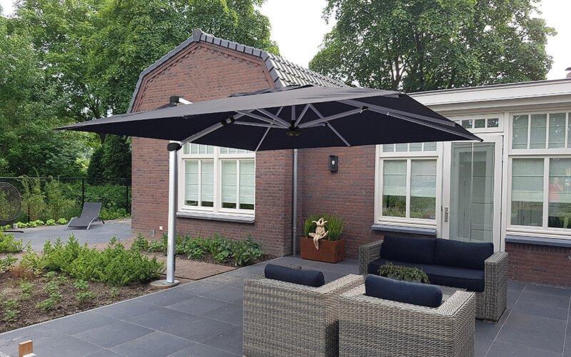 Solero® Palestro Pro | Large cantilever parasol | 4x4 or 4x3